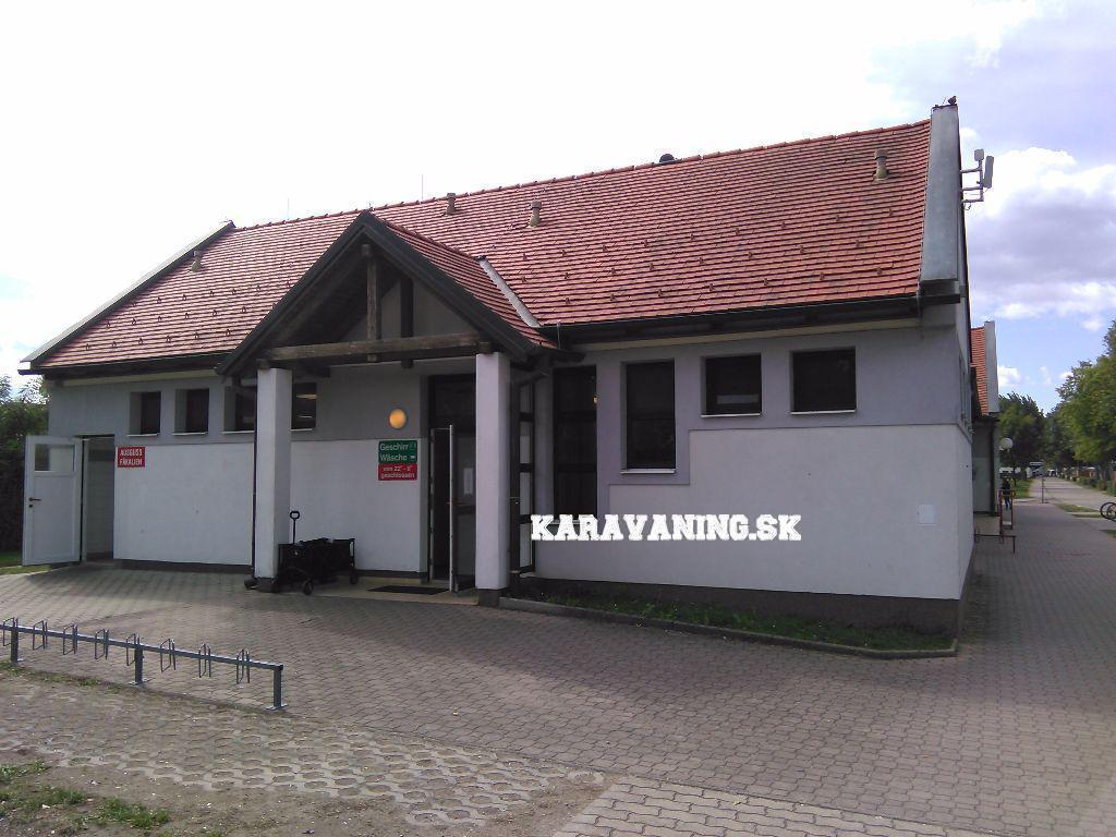 Jedina budova so socialným zariadením