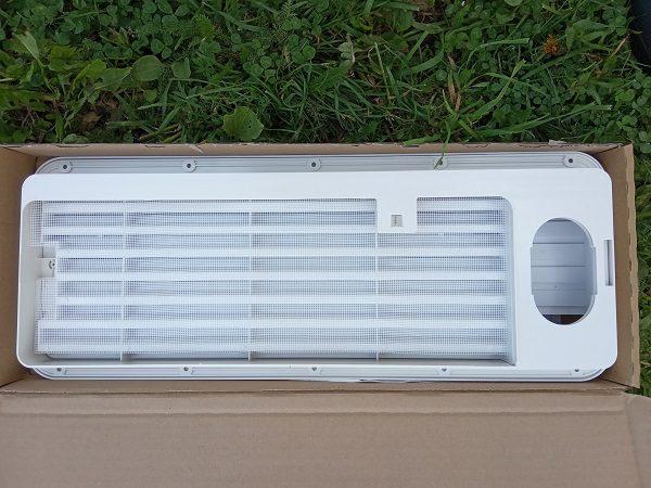 Ventilačná mriežka na chladničku