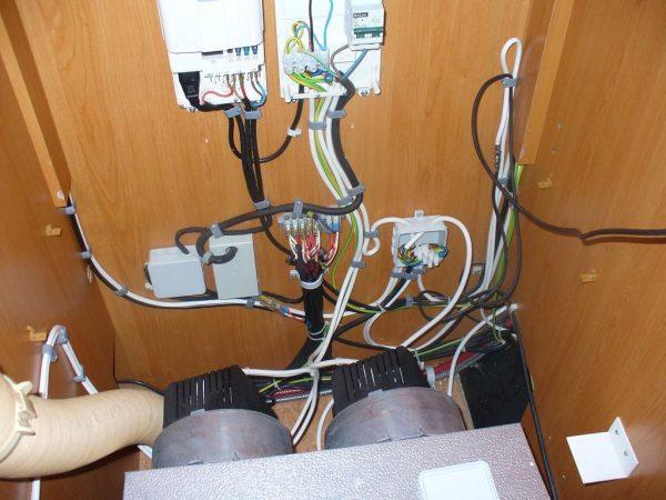 elektrika v karavane