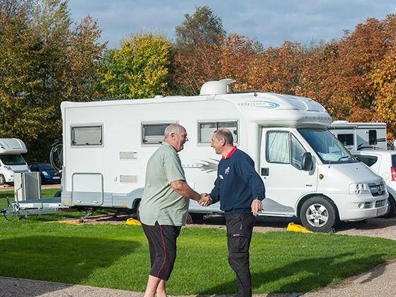 Kúpa karavanu