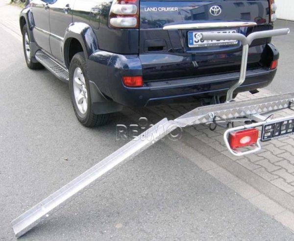 Stojan na e-bicykle a skútre na ťažné zariadenie, užitočné zaťaženie 120 kg.